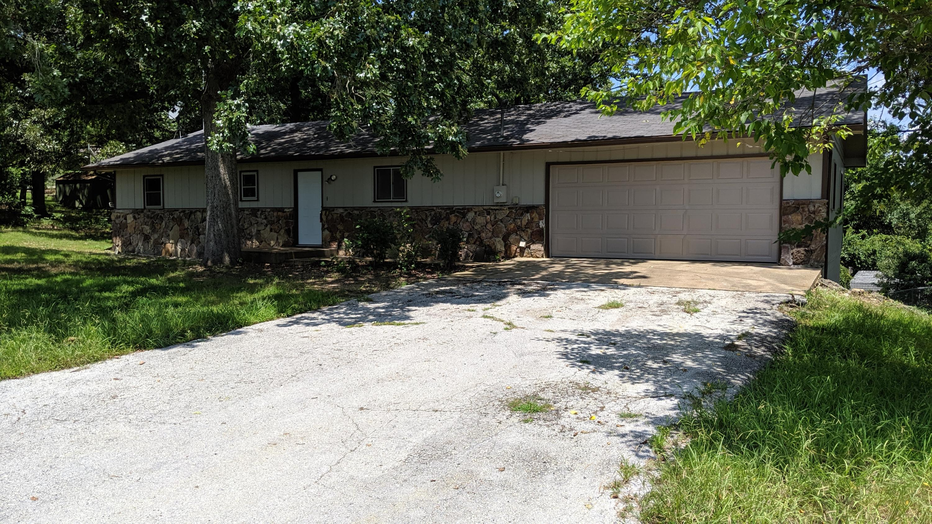 121 Old Mill Road Lampe, MO 65681