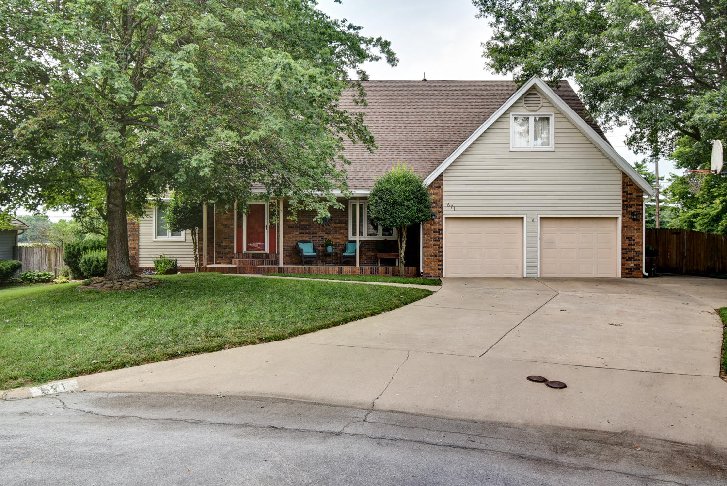 671 East Melbourne Place Springfield, MO 65810