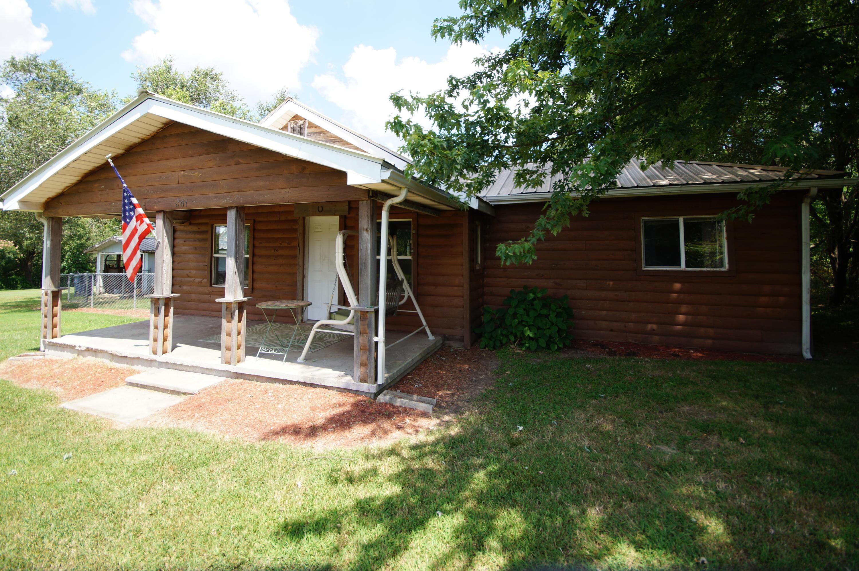261 Ellingsworth Lane Highlandville, MO 65669
