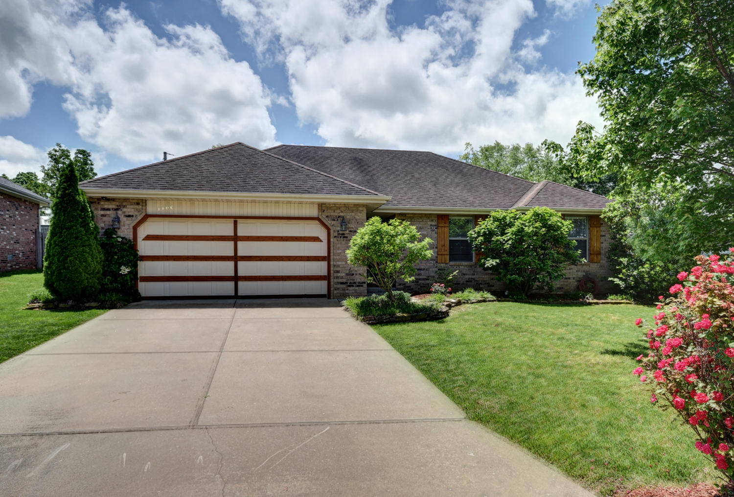 1106 West Butterfield Drive Nixa, MO 65714