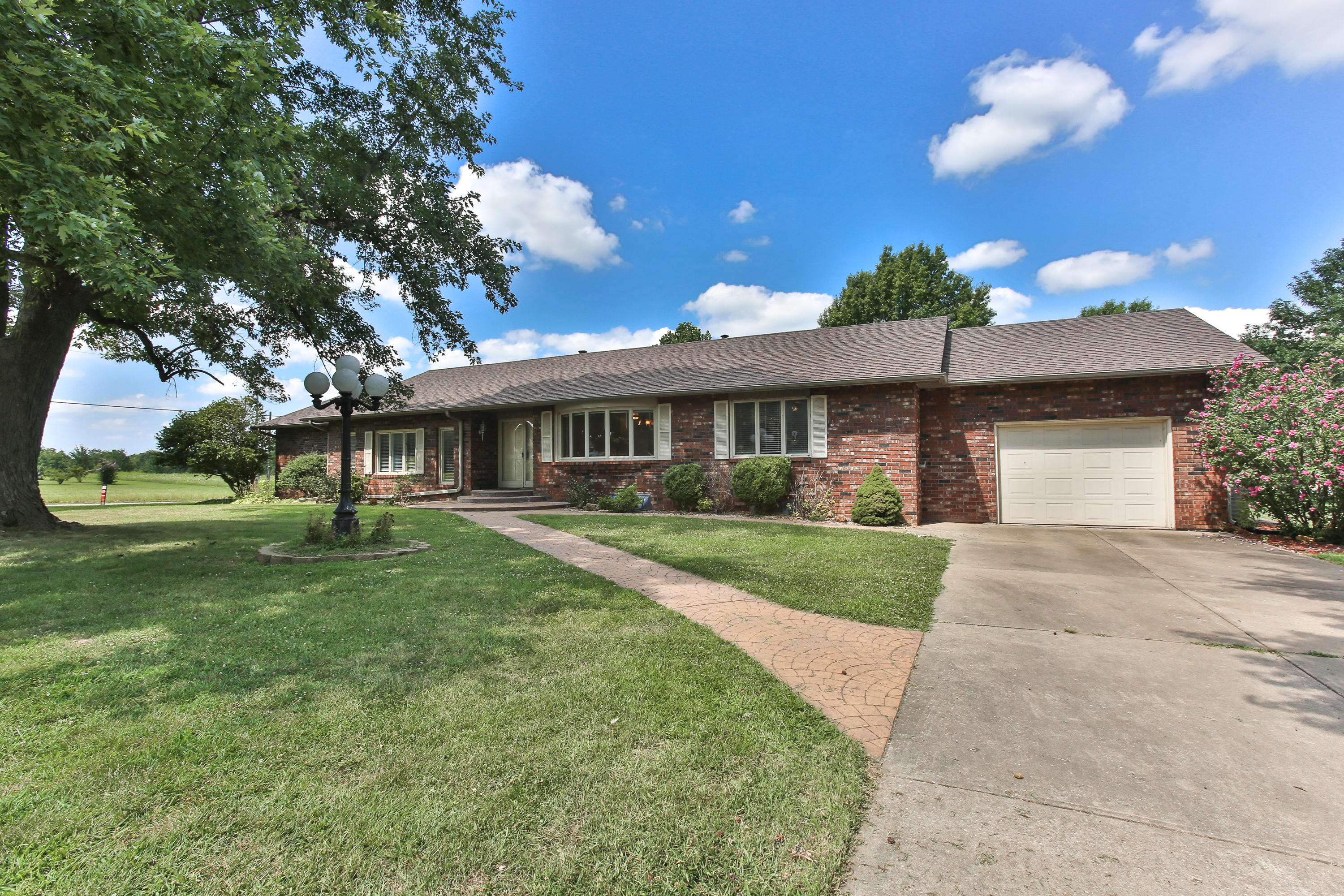 115 South Western Marionville, MO 65705