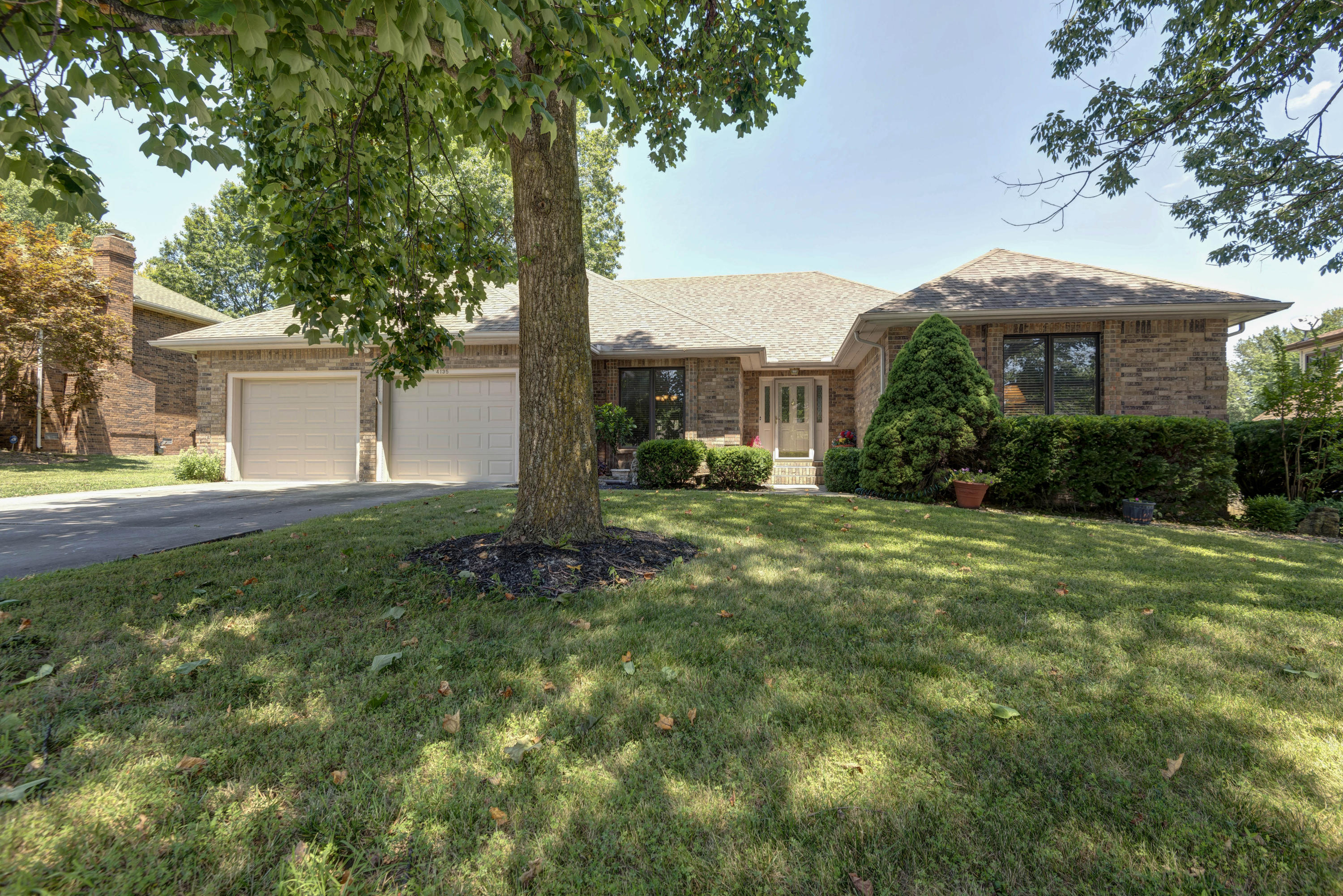 4135 East Stanford Springfield, MO 65809