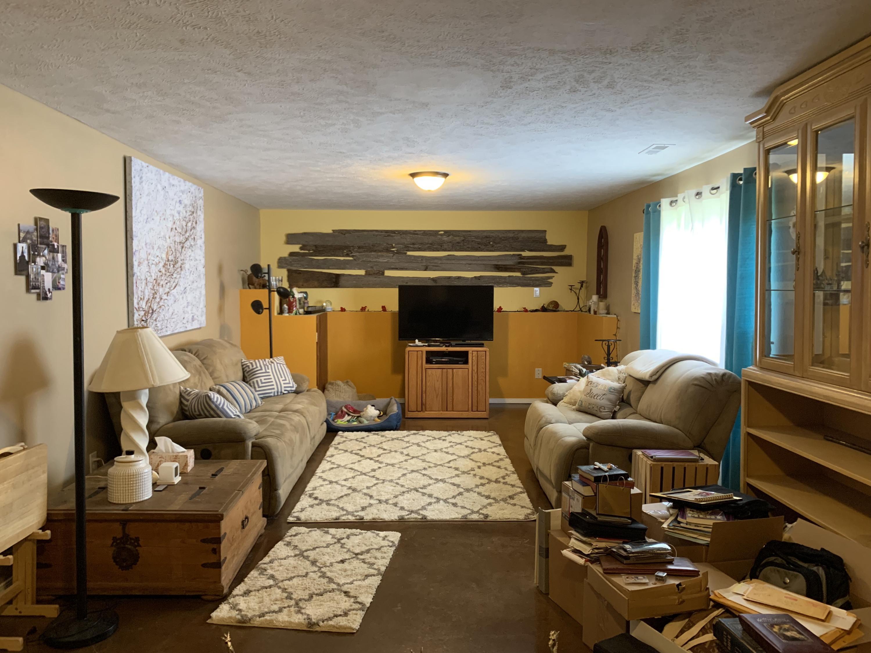200 Bear Cub Court Highlandville, MO 65669
