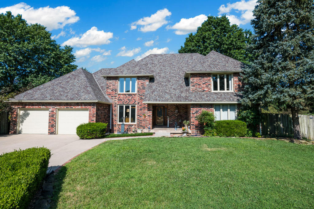 2454 East Meadow Drive Springfield, MO 65804