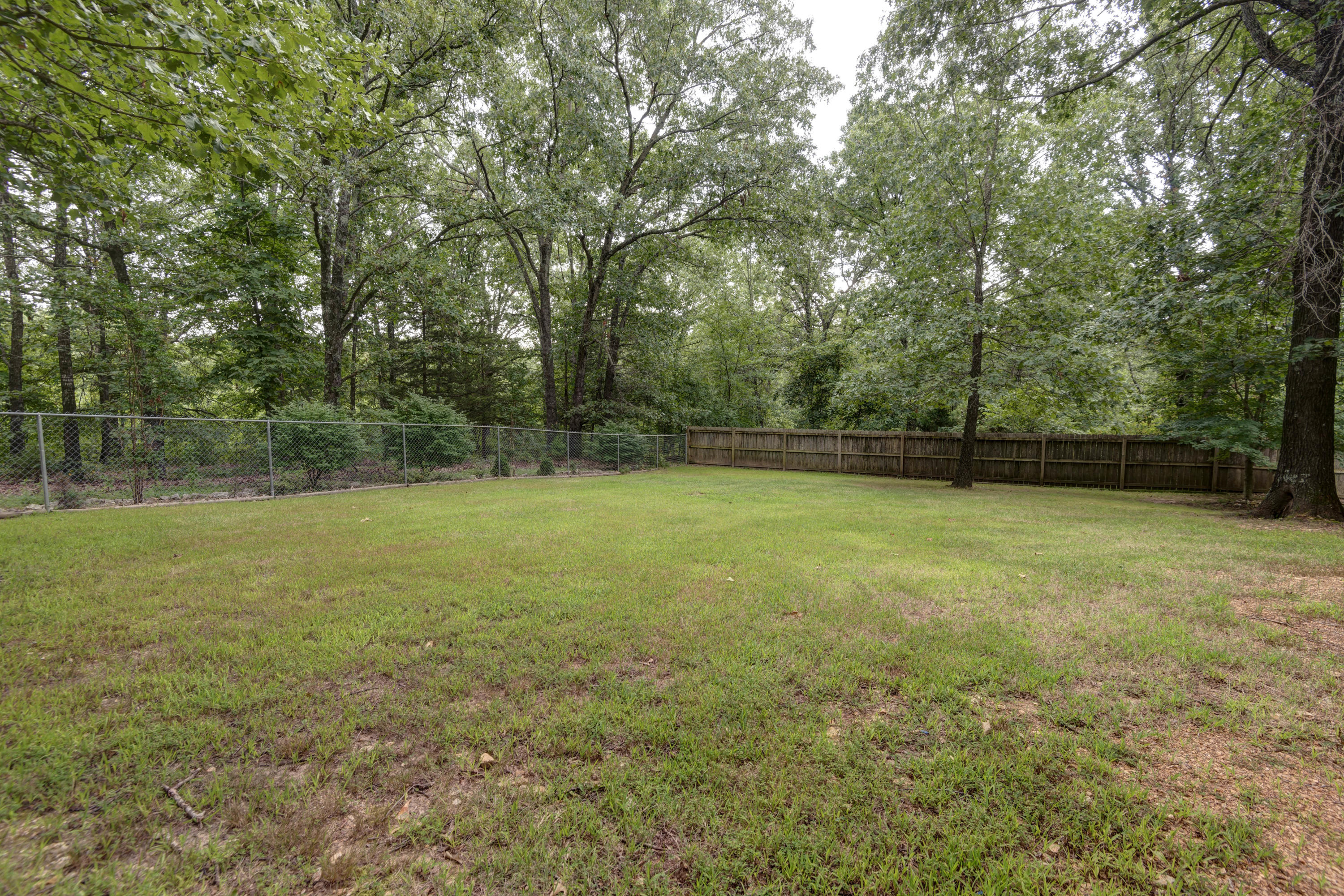 246 Hoot Owl Point Highlandville, MO 65669