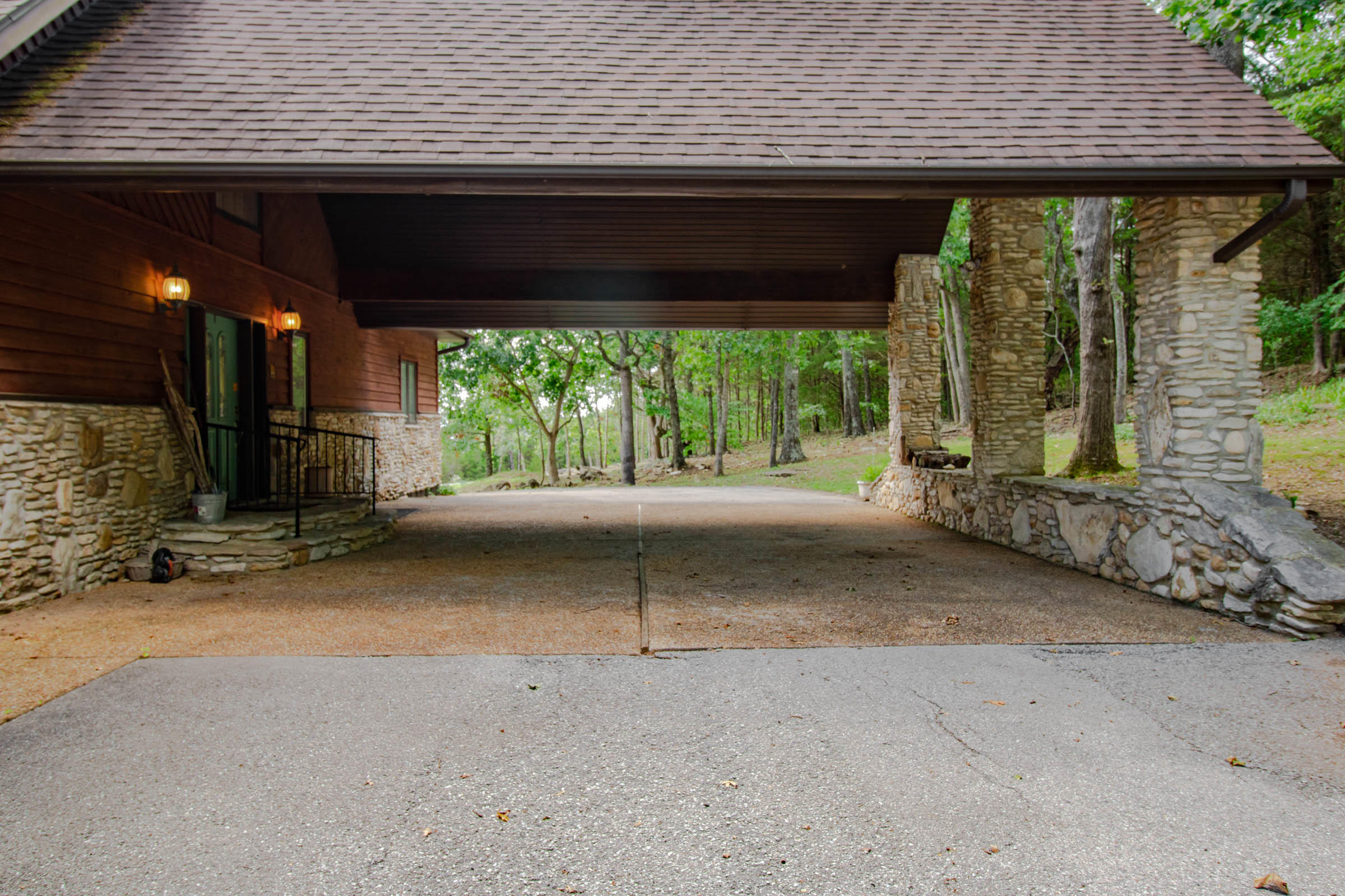 1491 Clevenger Cove Road Hollister, MO 65672