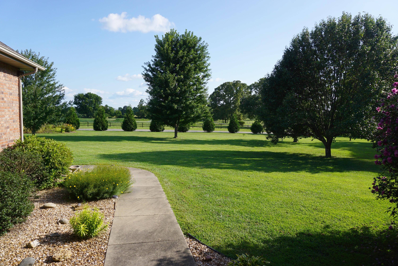 111 Oak View Drive Sparta, MO 65753
