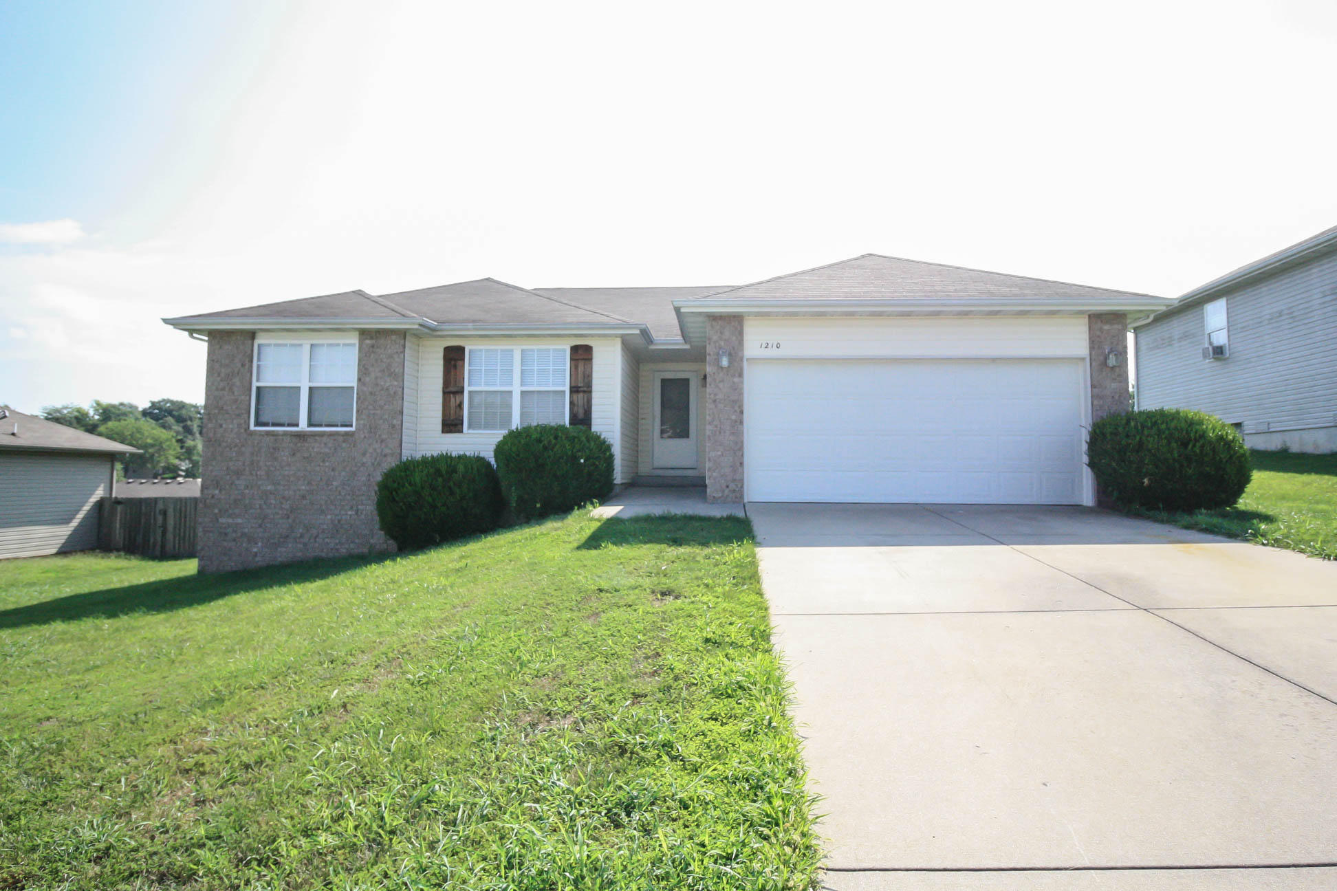 1210 South 14th Street Ozark, MO 65721