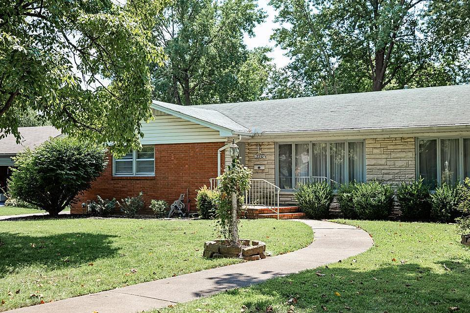 2232 East Langston Street Springfield, MO 65804