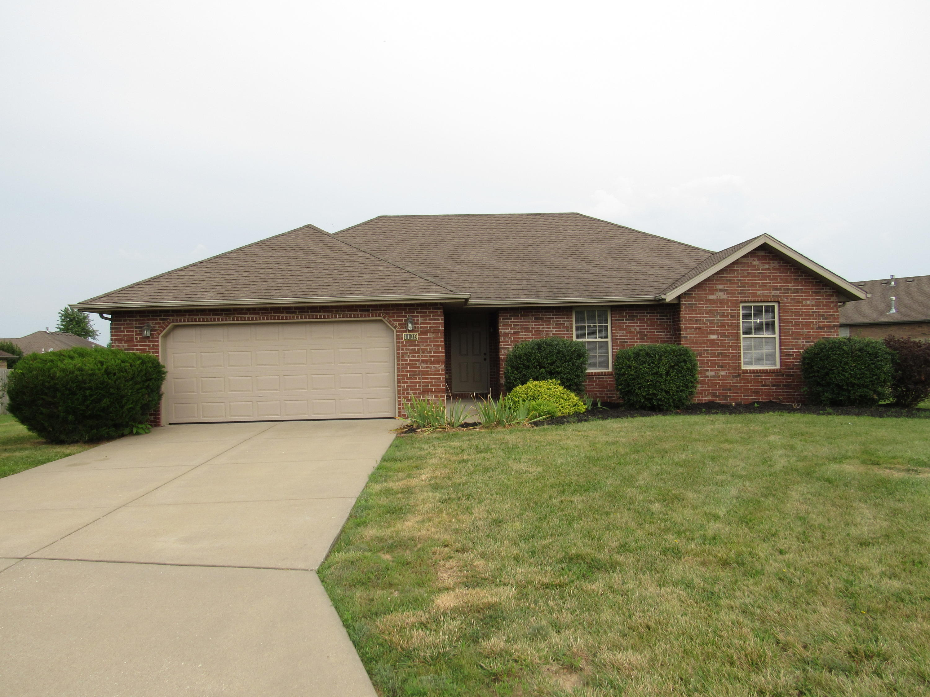 1109 East Chesapeake Drive Ozark, MO 65721
