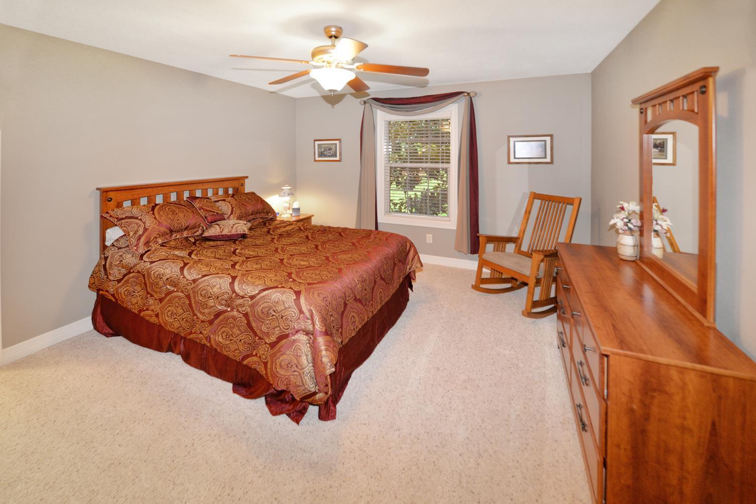 200 Oak Knoll Road Sparta, MO 65753