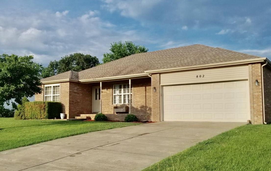 802 Wrenwood Strafford, MO 65757