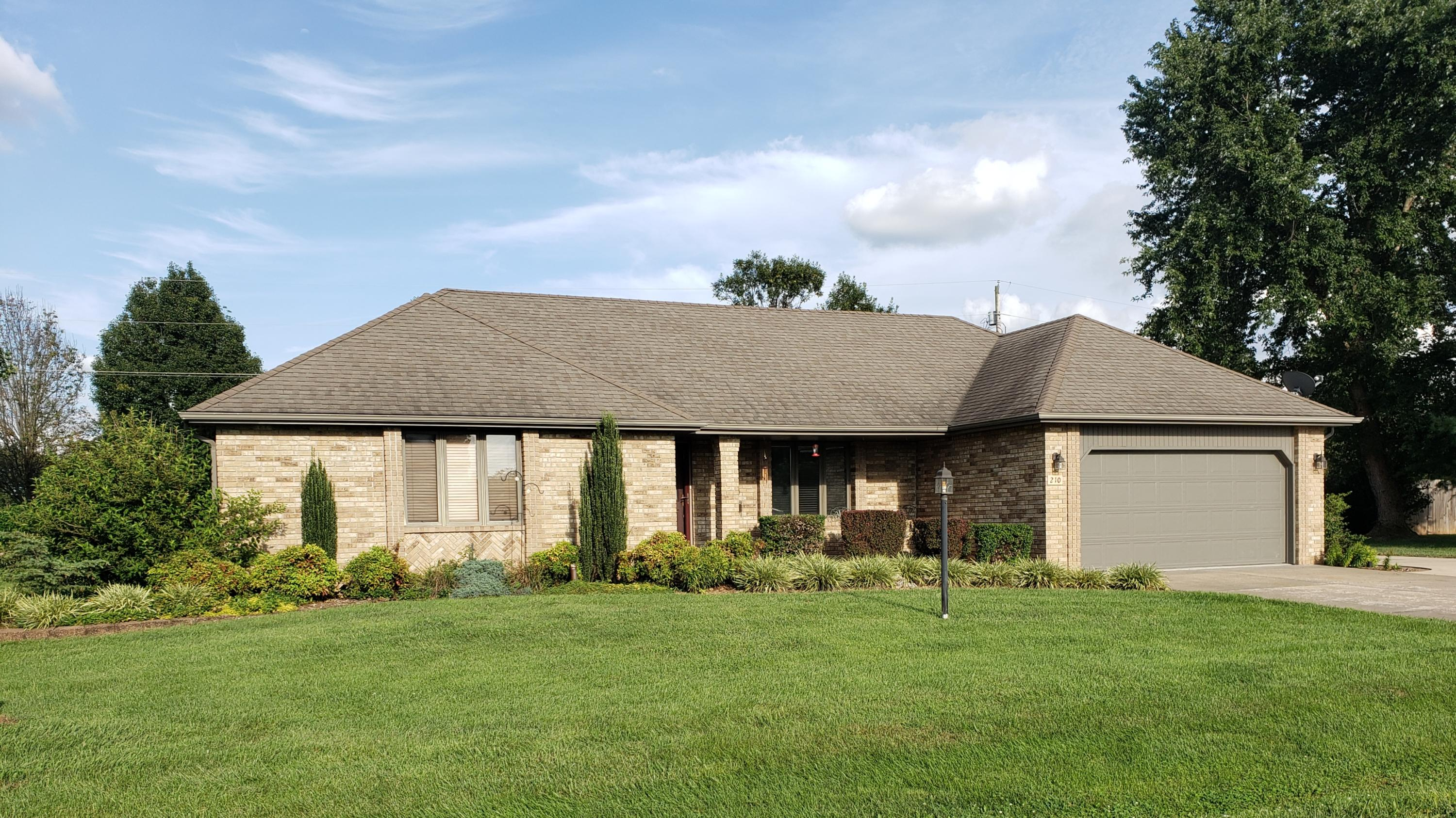 210 South 37th Street Nixa, MO 65714