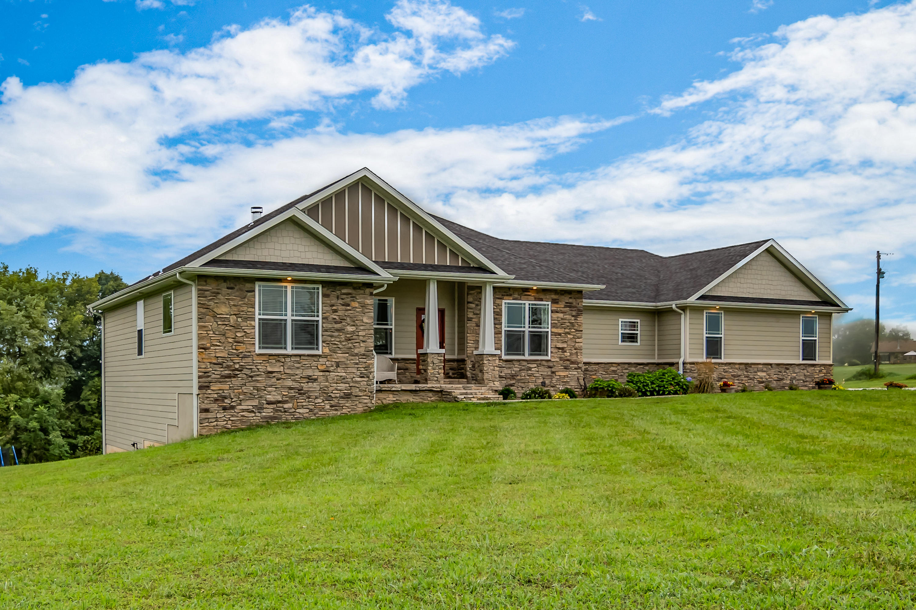 1589 Hidden Valley Road Clever, MO 65631