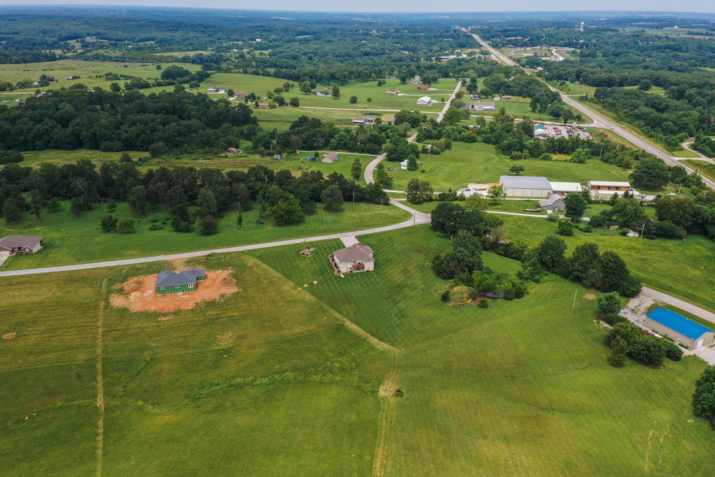 136 Ranch Estates Drive Highlandville, MO 65669