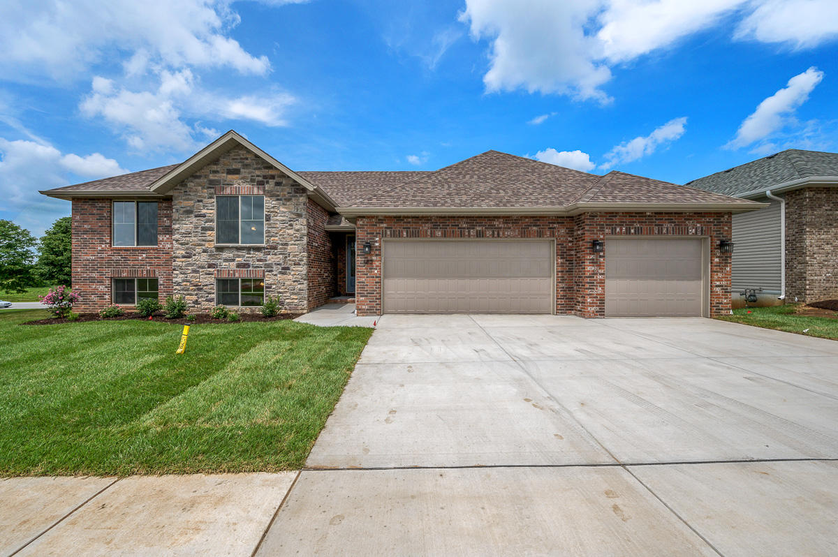 782 East Penzance Circle Nixa, MO 65714