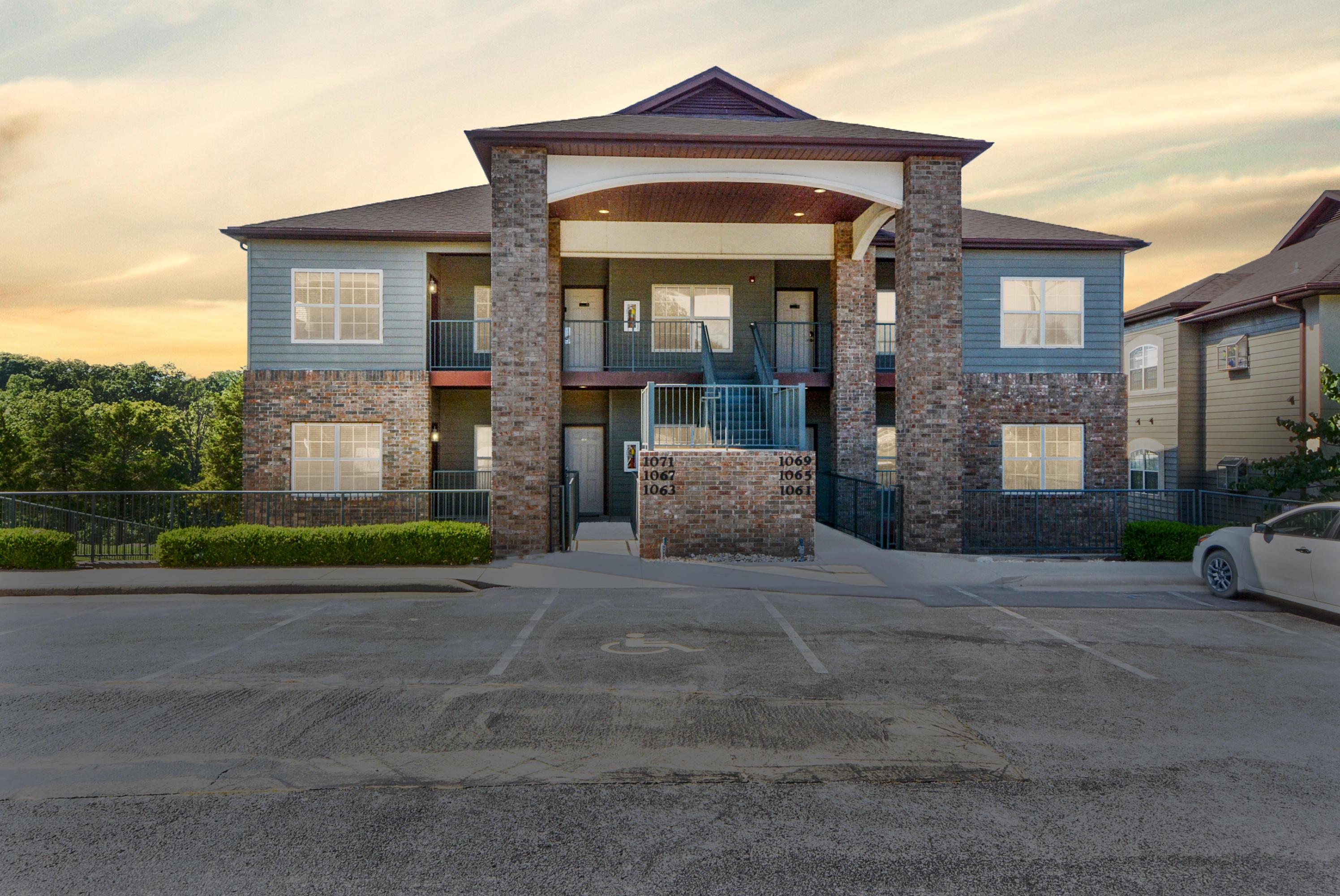 1063 Golf Drive #1 Branson West, MO 65737