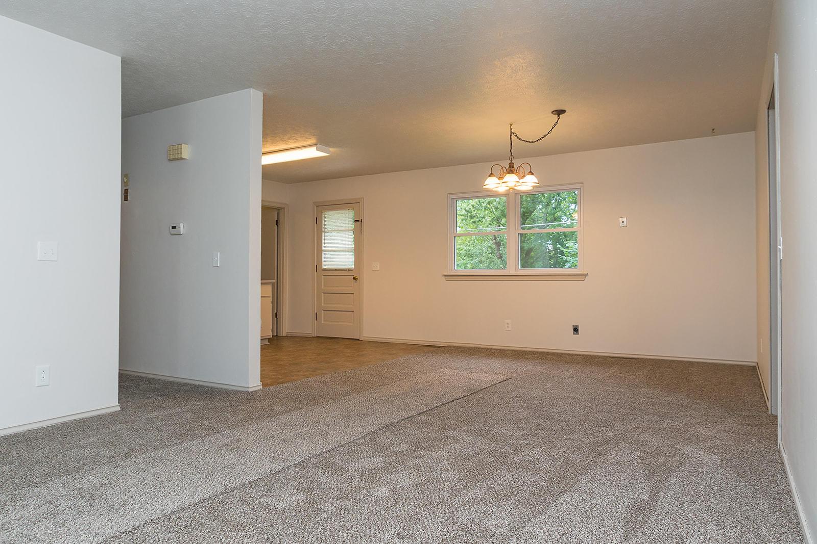 3165 West Farm Rd Springfield, MO 65807