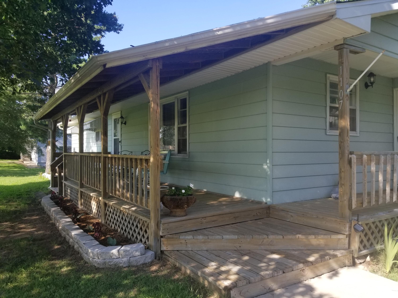 1107 South High Street El Dorado Springs, MO 64744