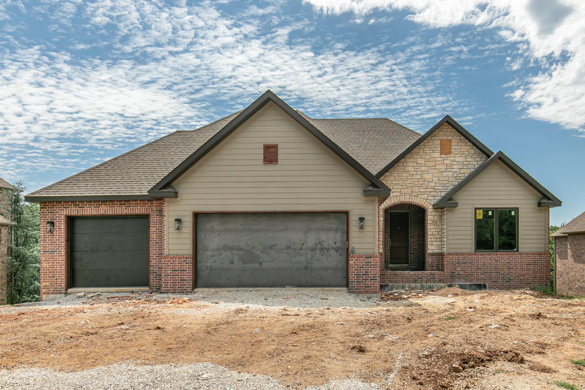 1258 West Stone Meadow Way Springfield, MO 65810