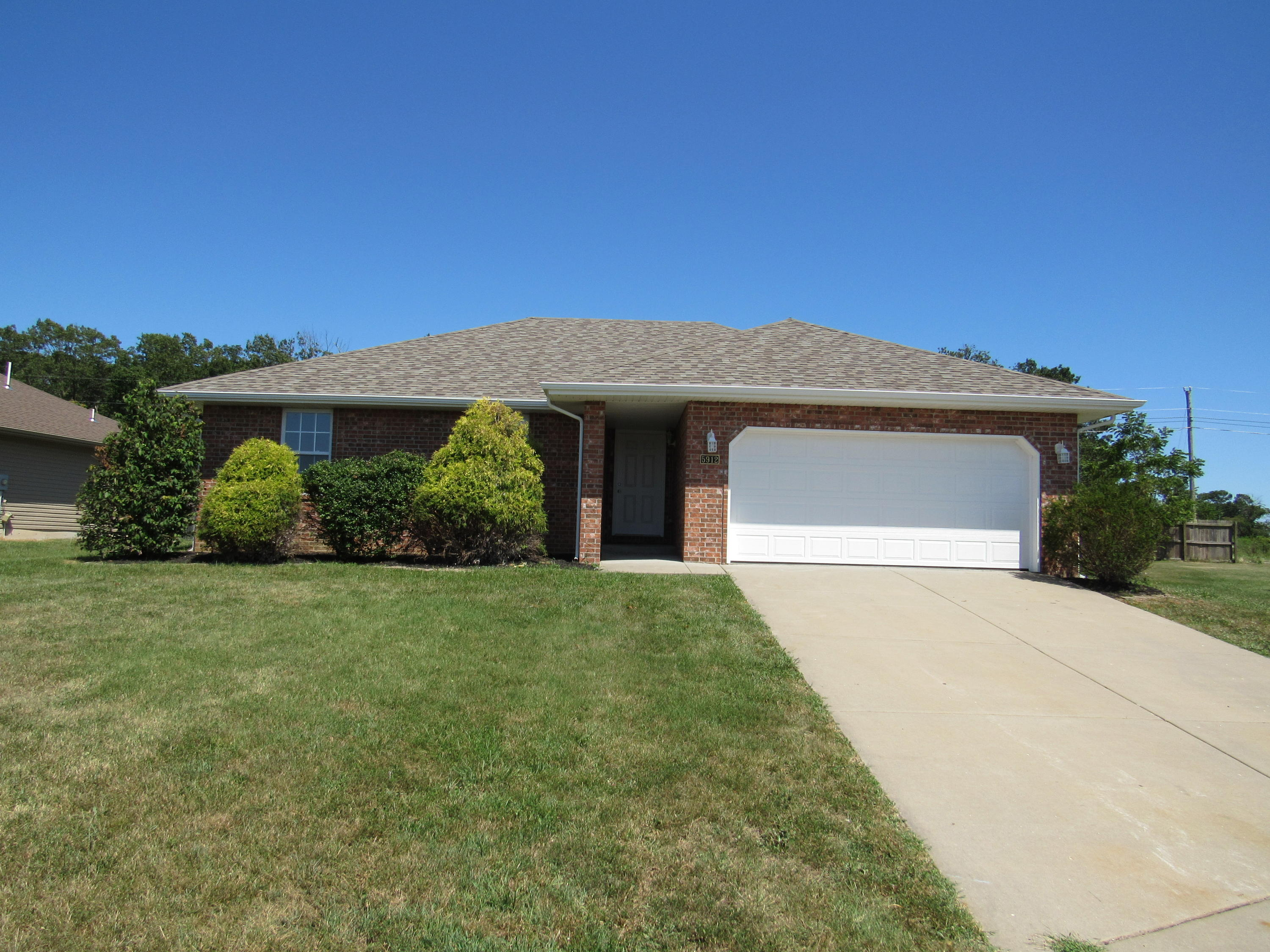 5912 North 13th Avenue Ozark, MO 65721