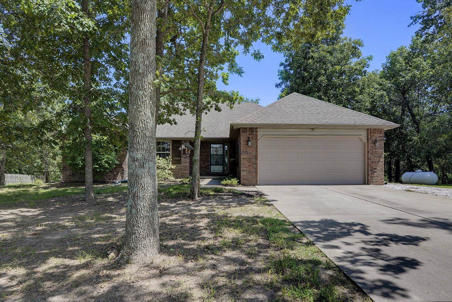 468 South Metzletein Road Clever, MO 65631