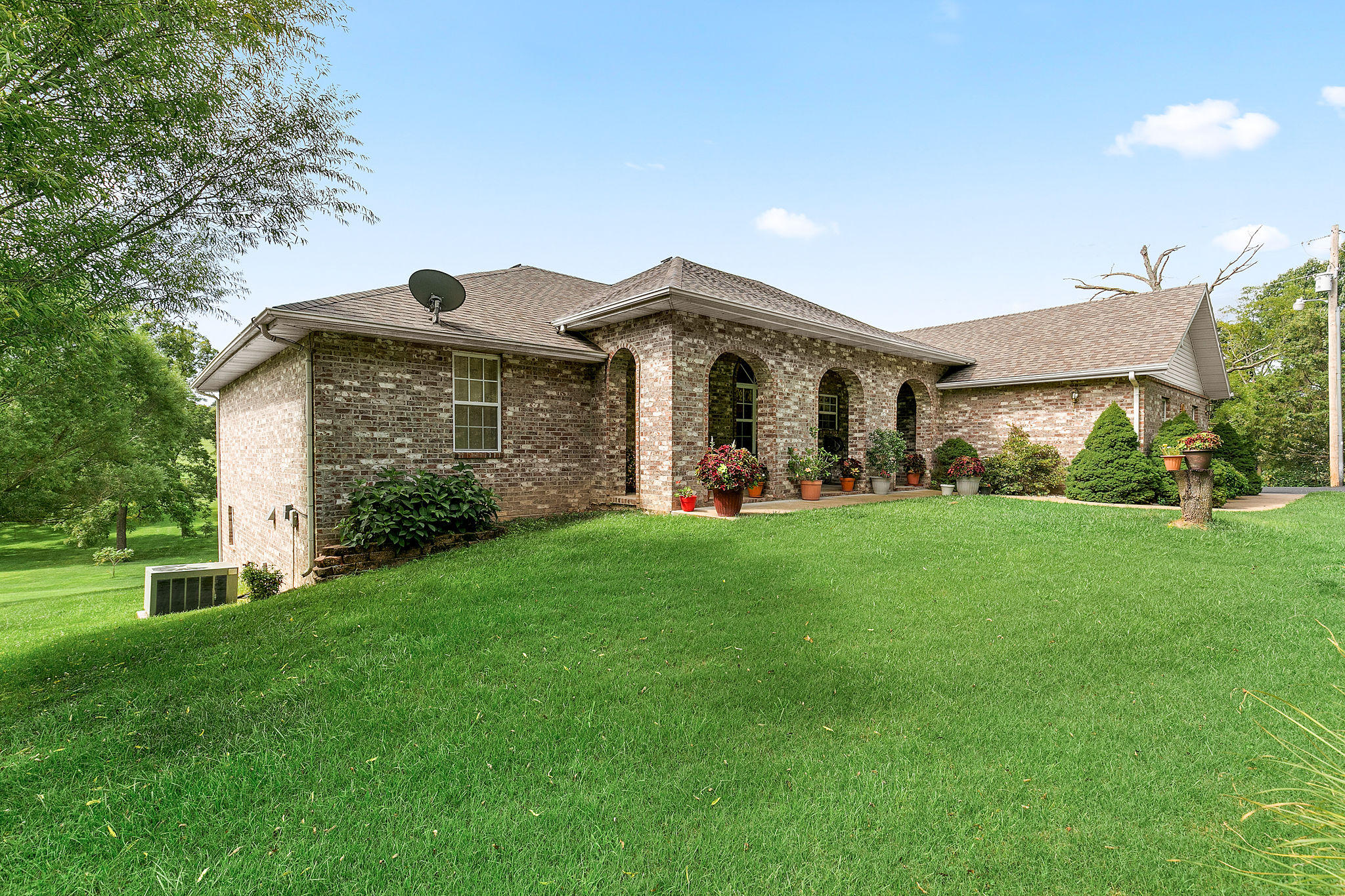 1676 Green Valley Road Clever, MO 65631