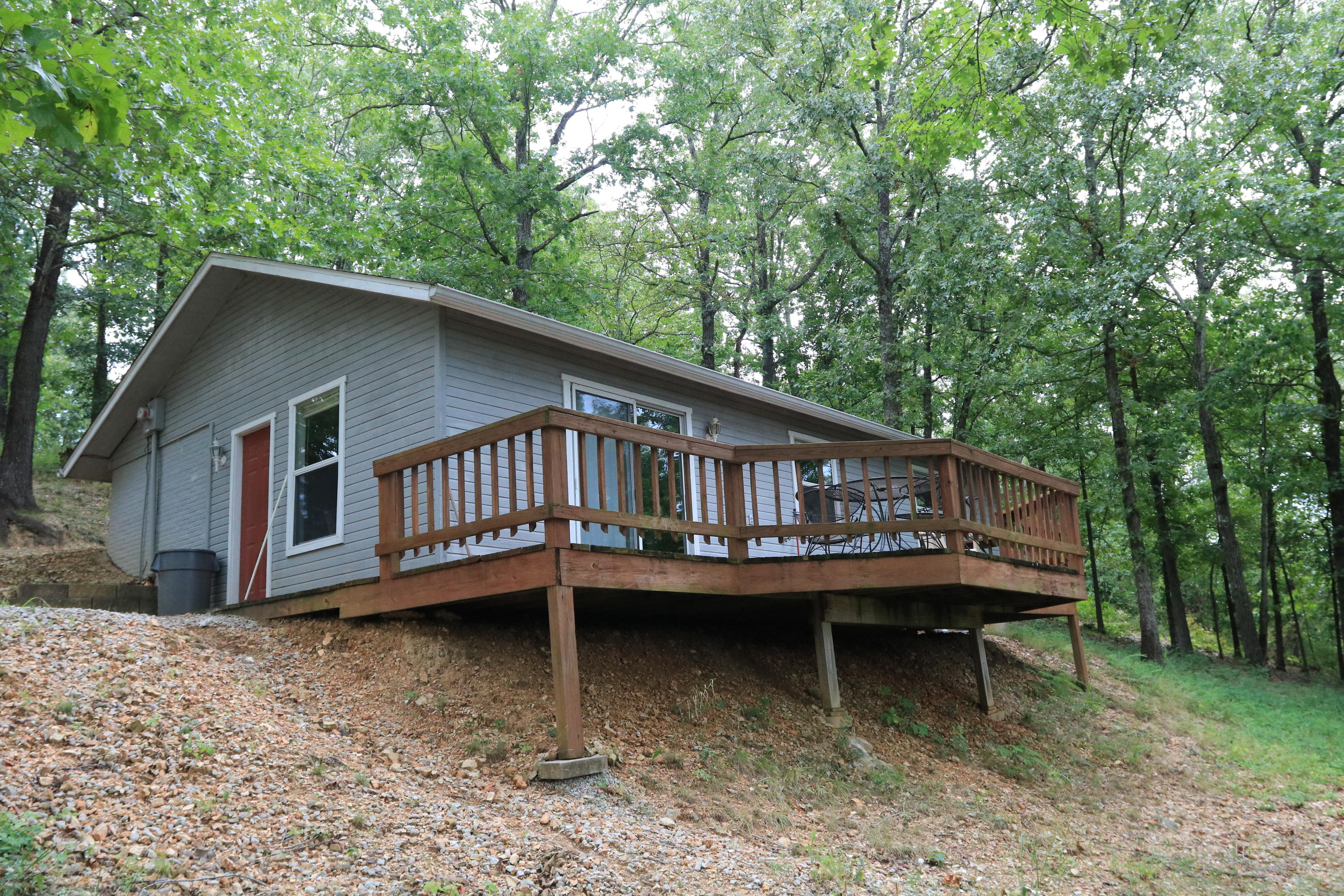 46 Indian Valley Road Reeds Spring, MO 65737