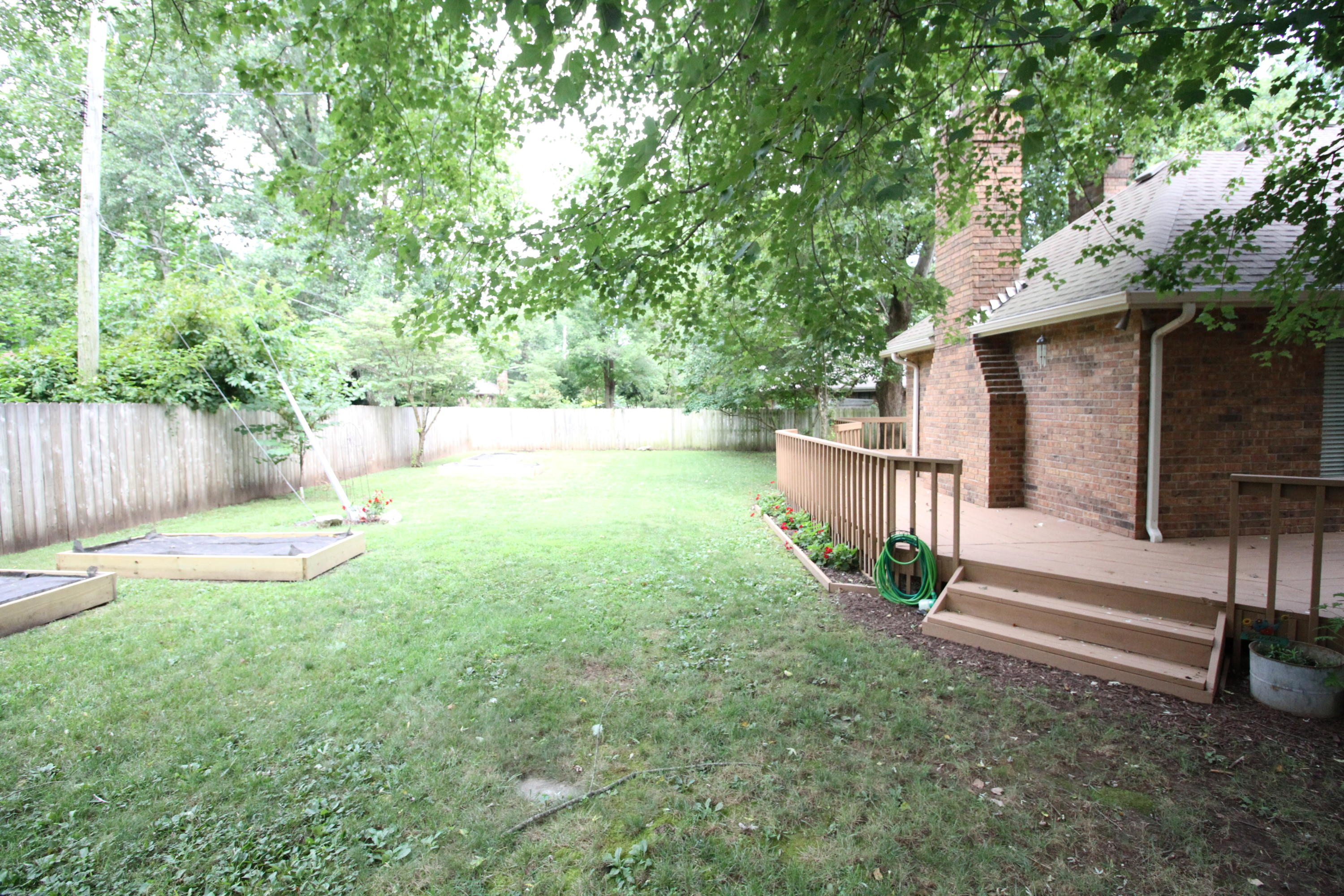 1667 East Vincent Drive Springfield, MO 65804
