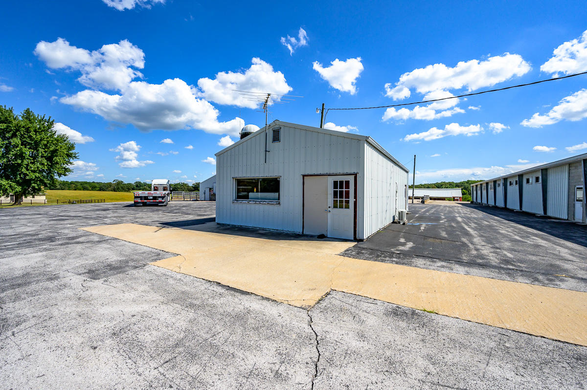 8210 East State Highway D Rogersville, MO 65742