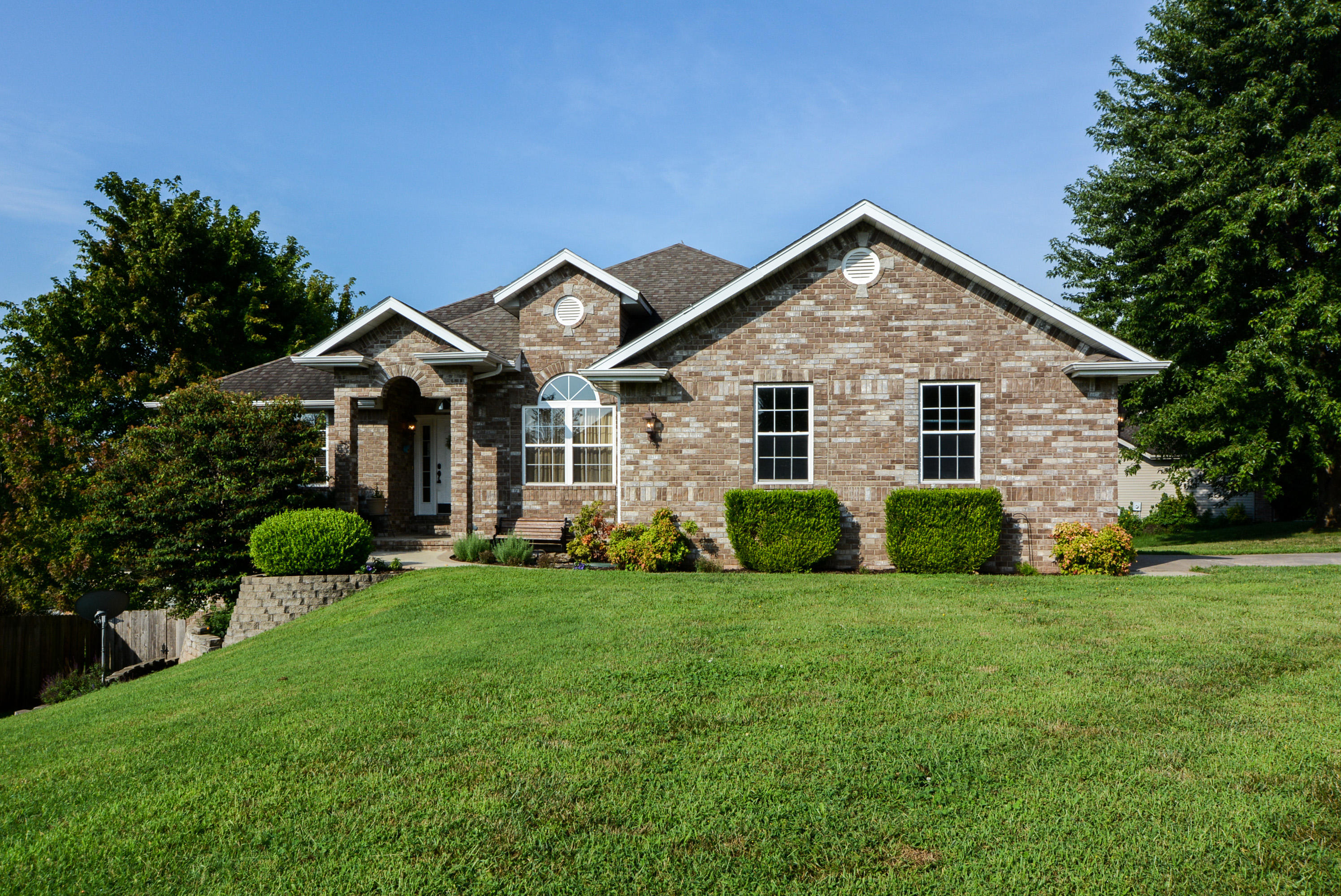 2062 West Melbourne Court Springfield, MO 65810