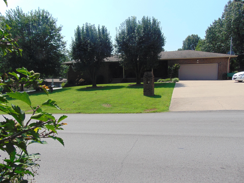 713 West Daugherty Road Neosho, MO 64850