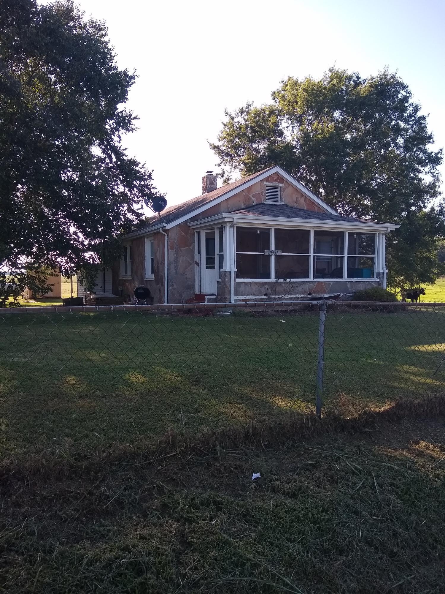 2931 North Farm Rd Strafford, MO 65757