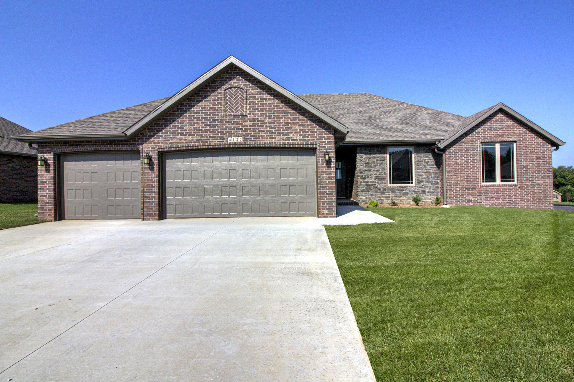 4427 East Kentbrook Drive Springfield, MO 65802