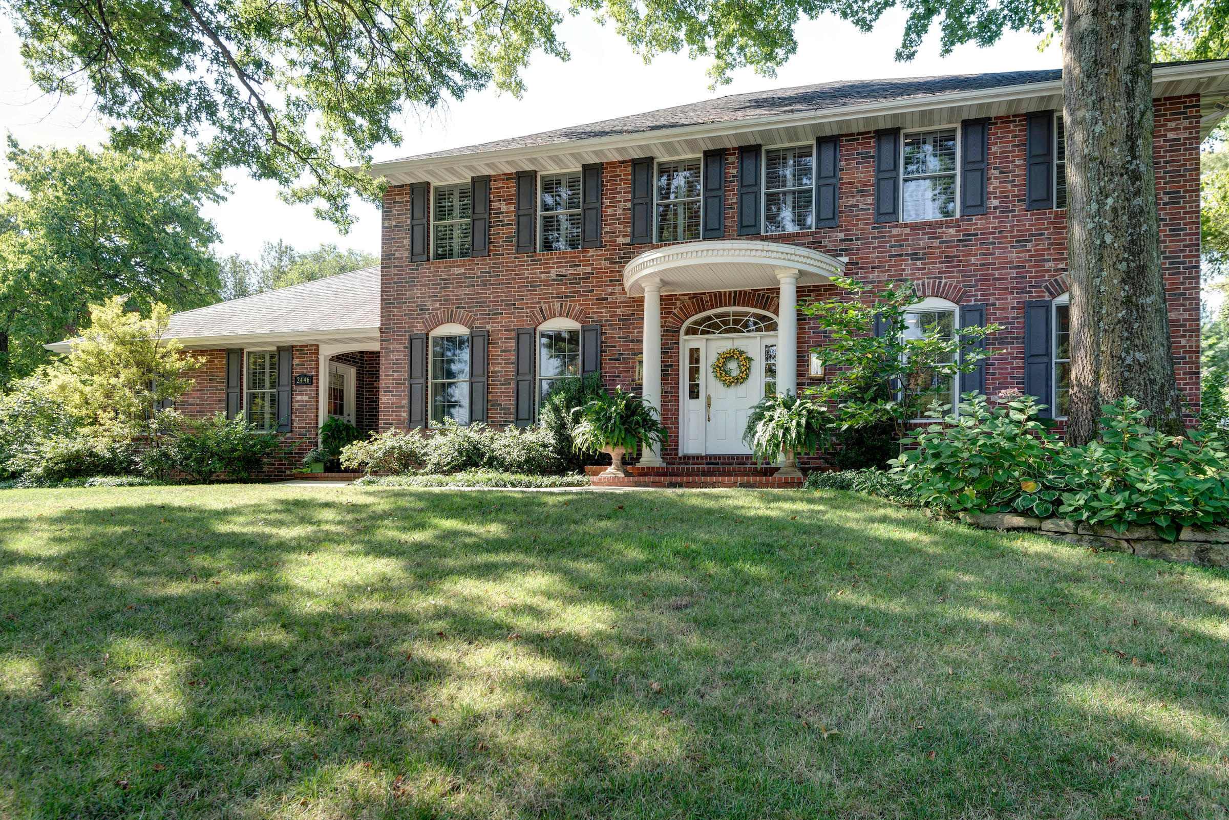 2446 East Michelle Place Springfield, MO 65804