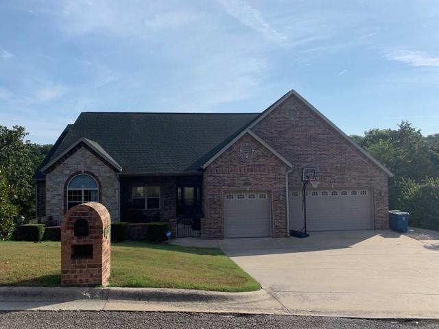 135 Roark Hills Drive Branson, MO 65616