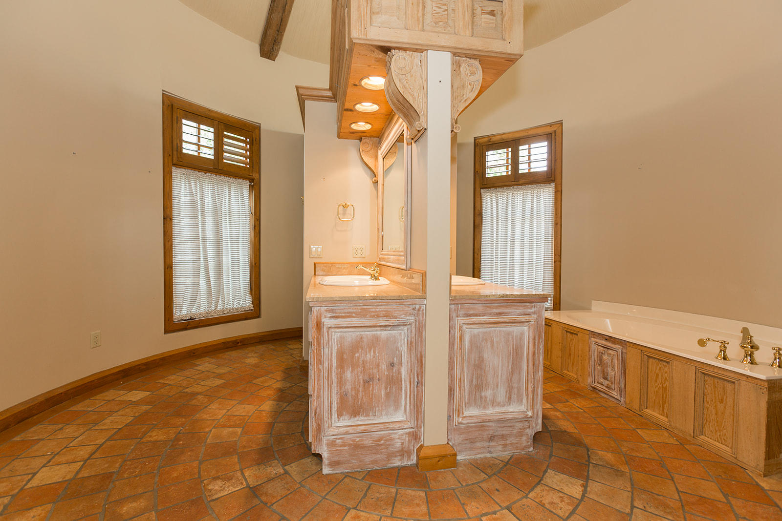 5336 South Stonehaven Drive Springfield, MO 65809