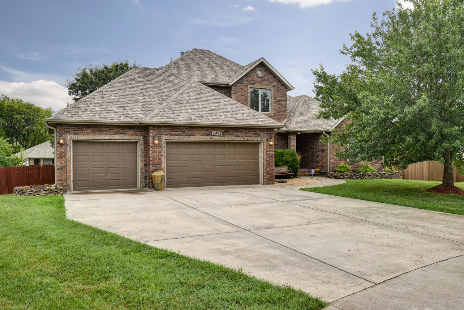 2406 South Driftwood Court Springfield, MO 65807