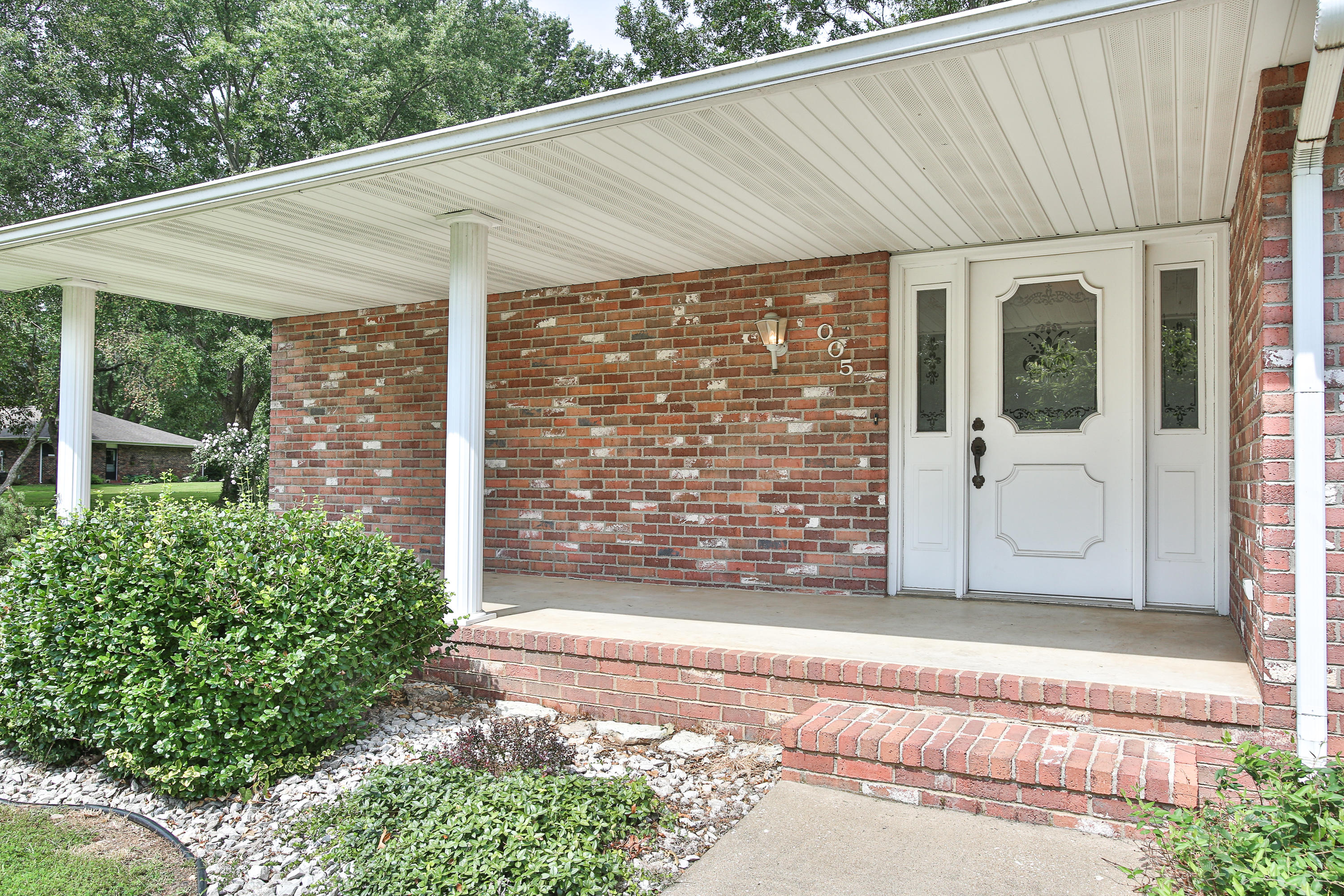 1005 South Oakland Avenue Bolivar, MO 65613