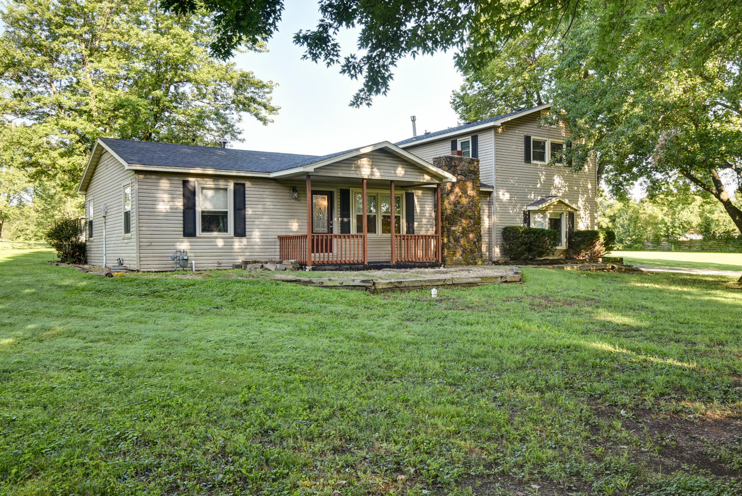 1949 North Farm Road Springfield, MO 65802
