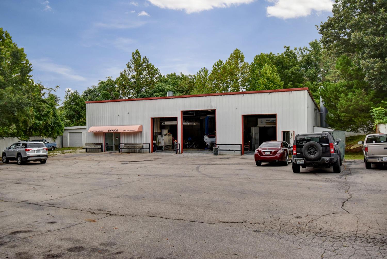 599 East Mount Vernon Street Nixa, MO 65714