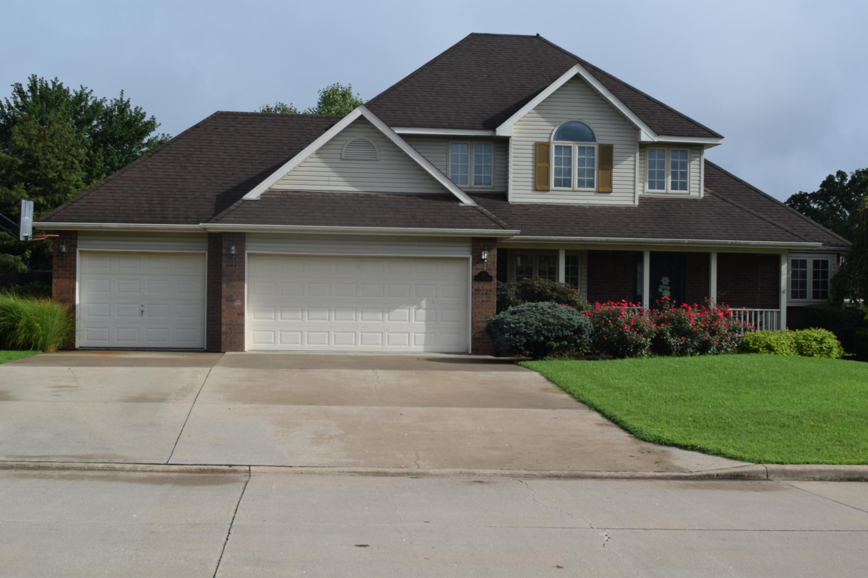 181 East Park Ridge Drive Bolivar, MO 65613