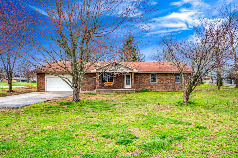 301 East Grant Street Clever, MO 65631