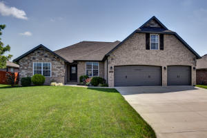 5738 South Eldon Drive, Battlefield, MO 65619