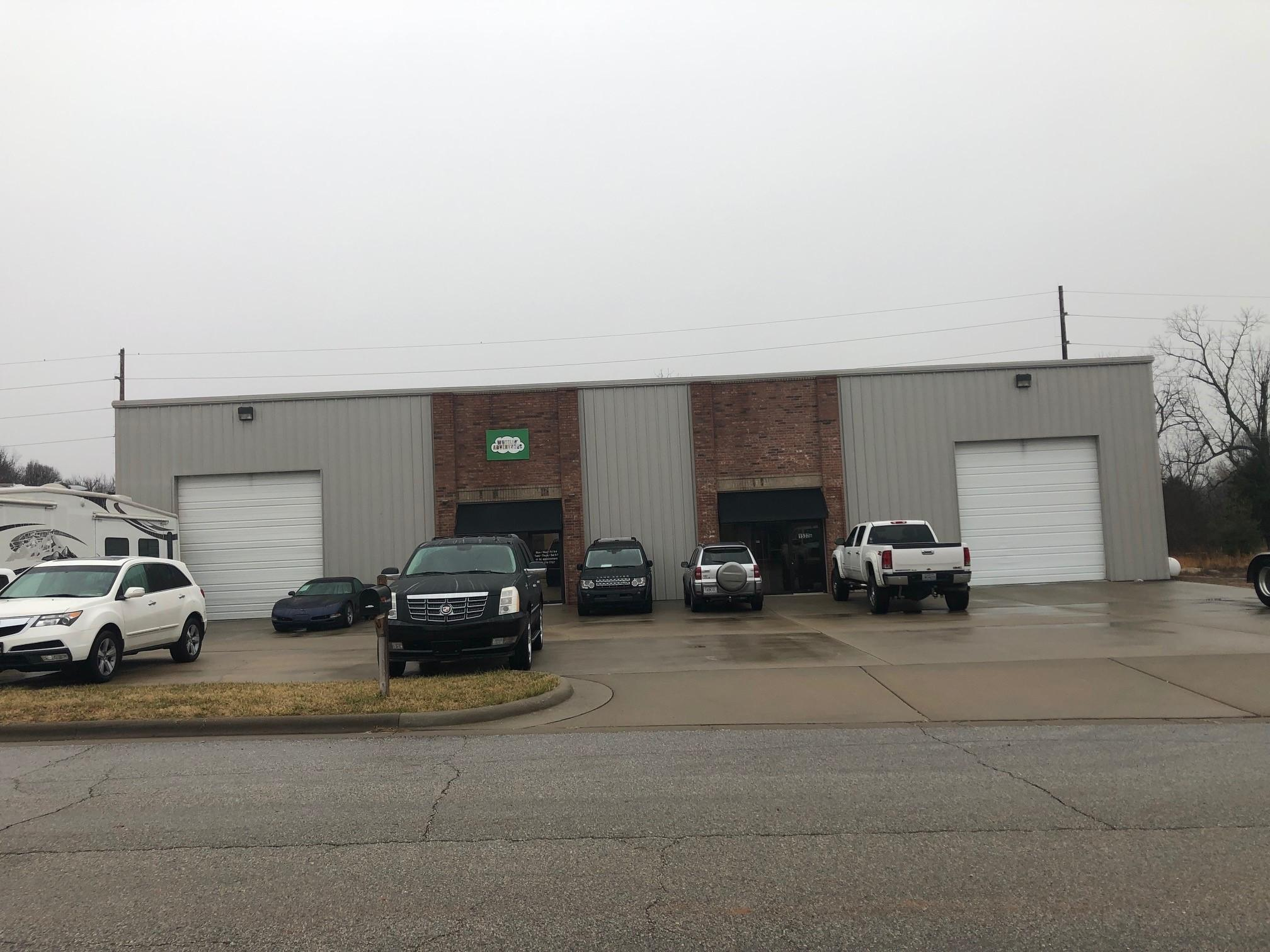 1532 North Commercial Road Nixa, MO 65714
