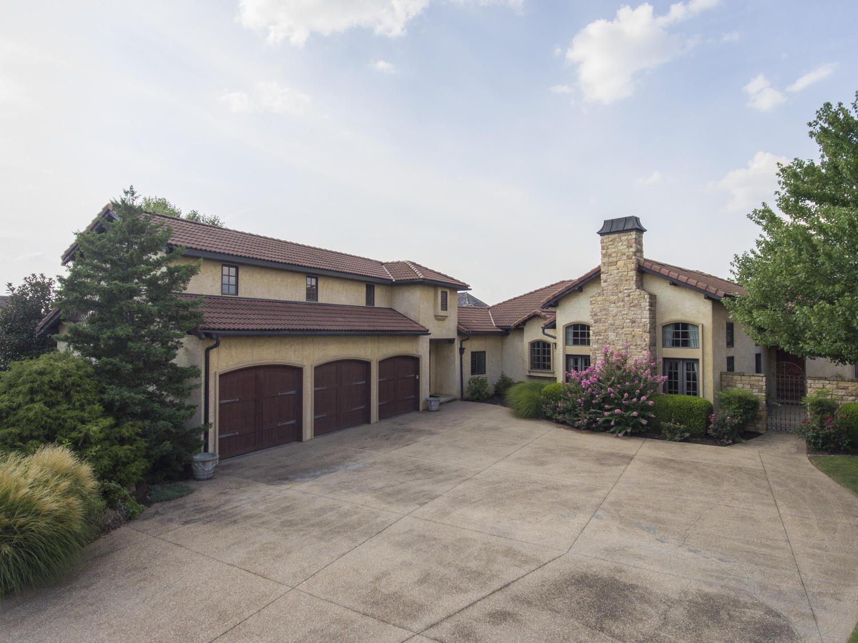 3751 East Knollwood Drive Ozark, MO 65721