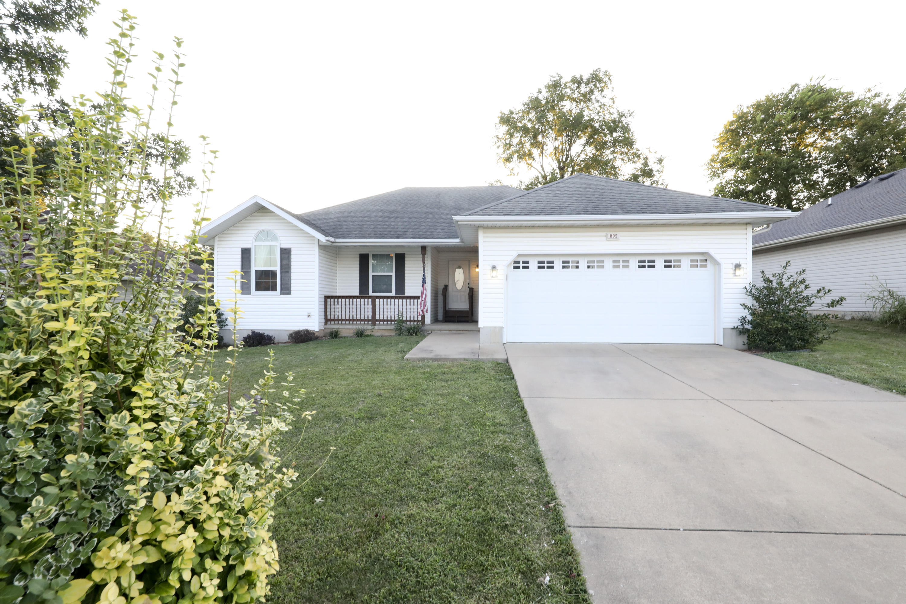 895 South Jester Avenue Springfield, MO 65802