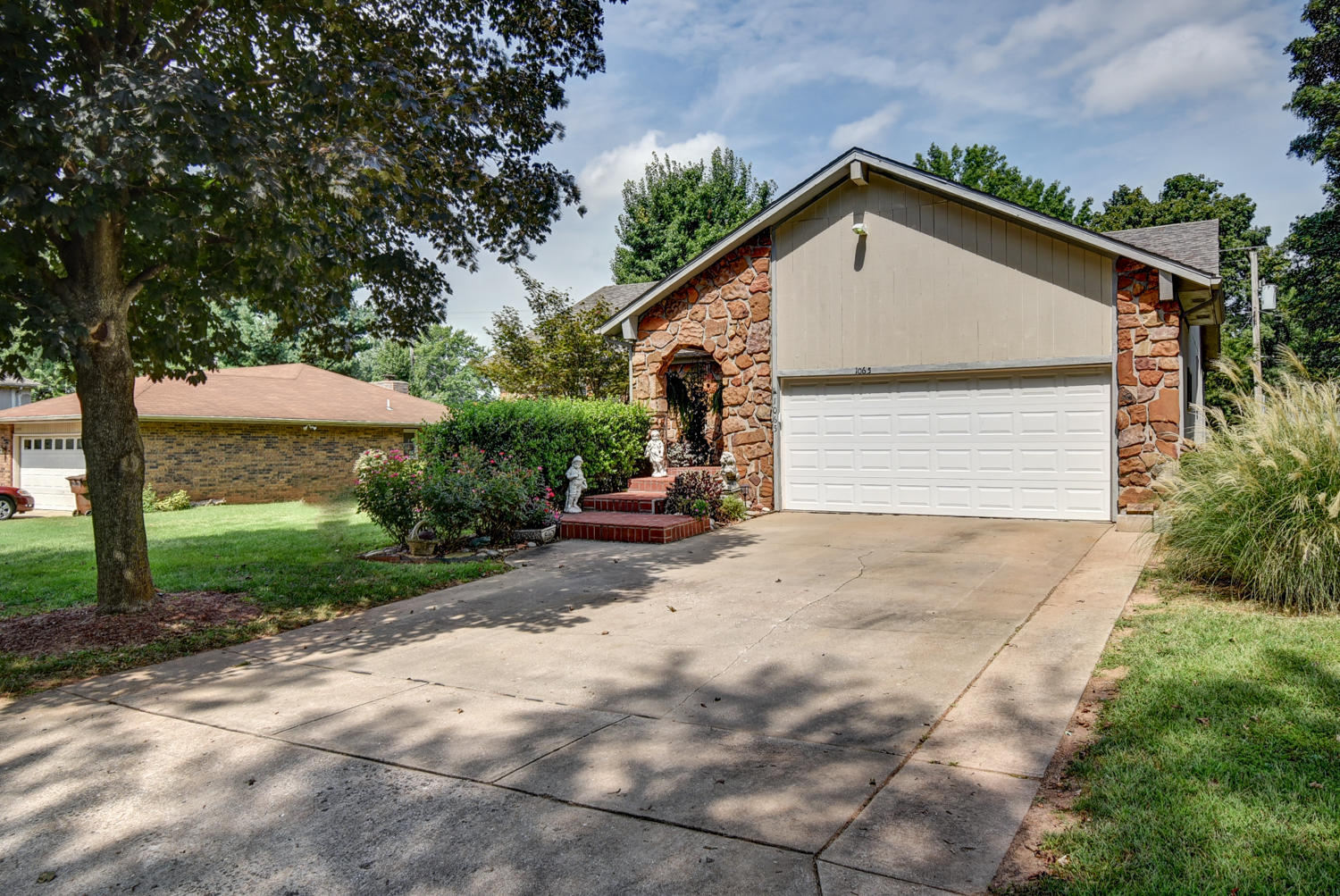 1065 East Woodland Street Springfield, MO 65807