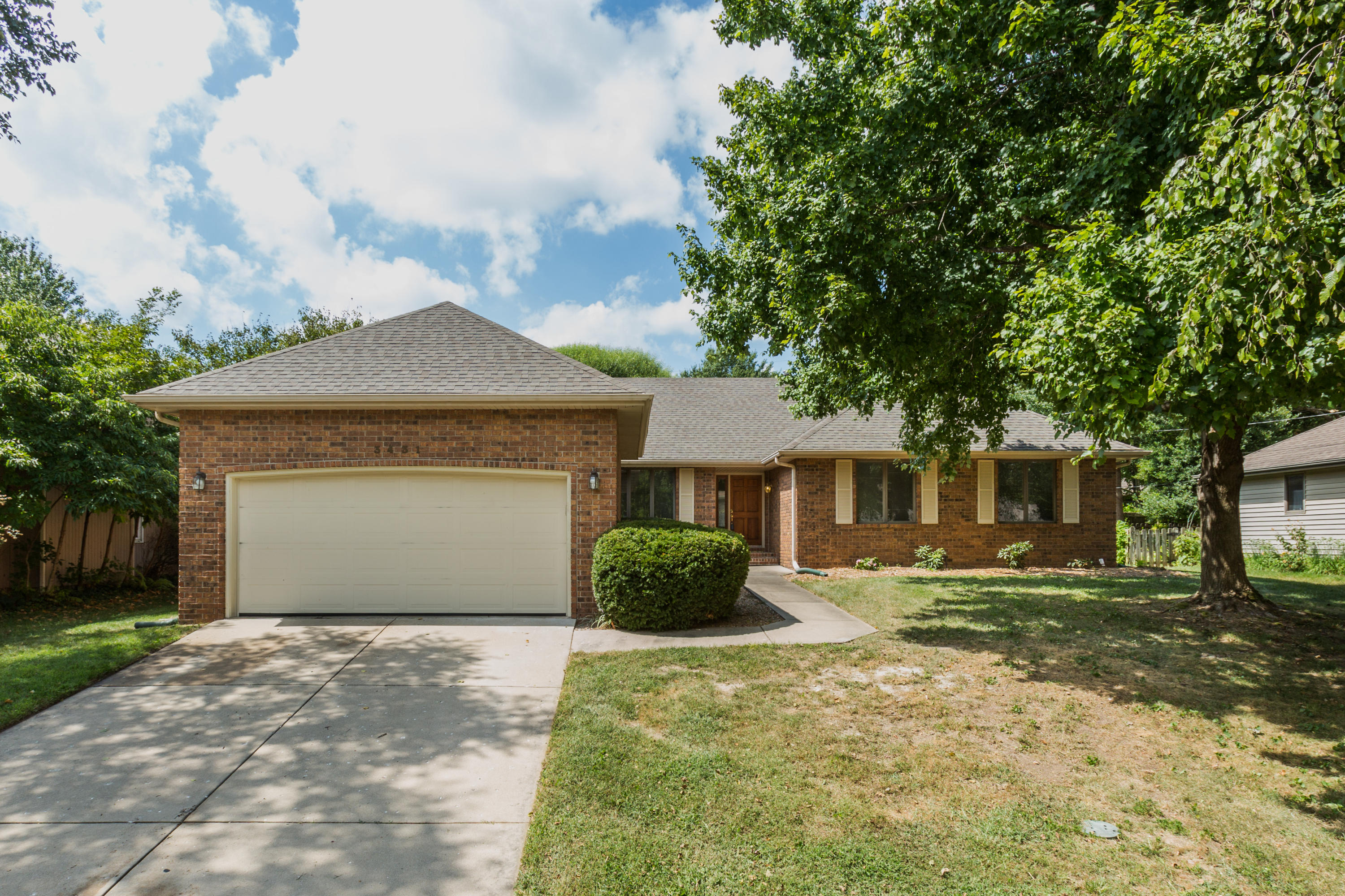 3431 South Valley View Avenue Springfield, MO 65804