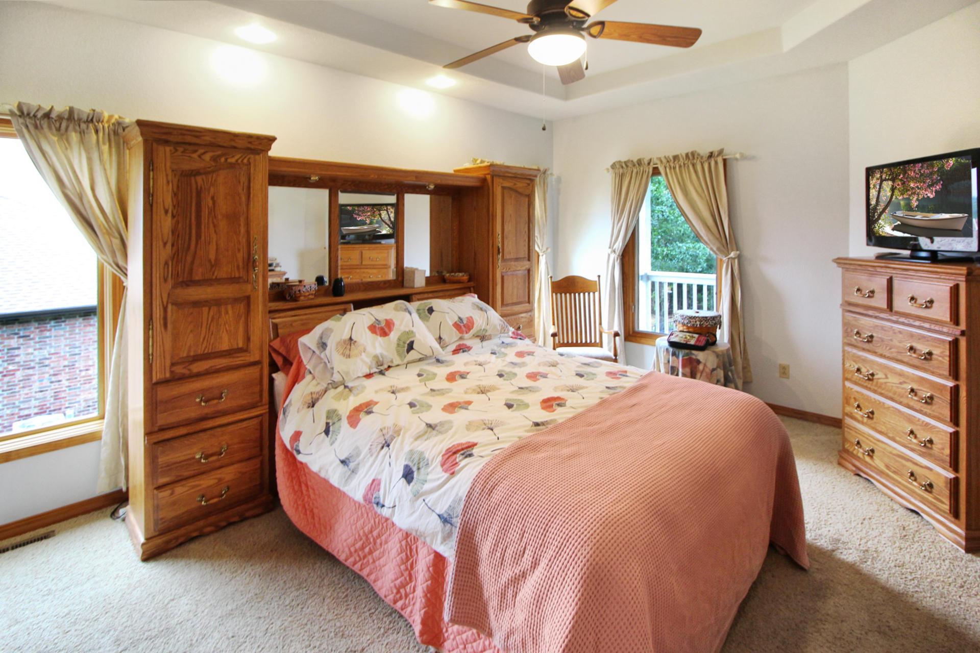 218 Forest Oak Drive Hollister, MO 65672